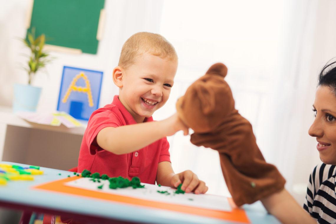 rola nauczyciela wspomagającego autyzm integracja sensoryczna