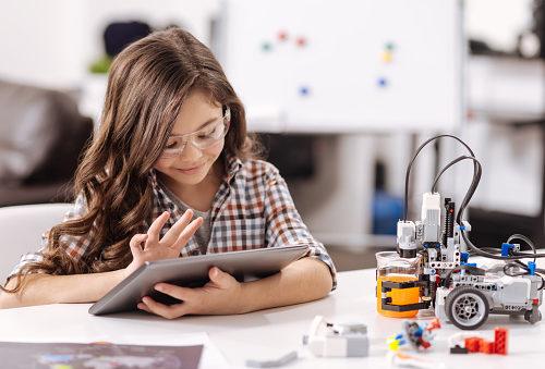 nowoczesne technologie w życiu dziecka