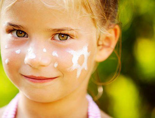 ochrona skóry dziecka przed słońcem